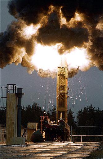 Ruski strategiski nuklearni potencijal 44804_1656455882_Topol%20M%20launch